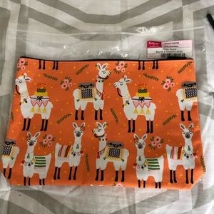 Thirty One Zipper Pouch NWTS Llama Rama popular!